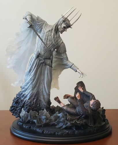 Weta Witch-King & Frodo at Weathertop FOTR LOTR Statue (#078/700)