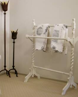 VINTAGE TOWEL/CLOTHES RACK Hollywell Gold Coast North Preview