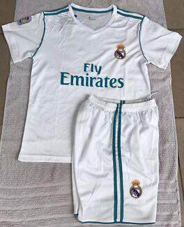 2018 White Real Madrid Jersey #7 Ronaldo Adult Set Jersey & Short