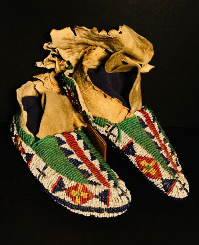 SIOUX/PLAINS CHILD'S FULLY BEADED CEREMONIAL MOCCASINS,ATTACH LEATHER TAG,C1870