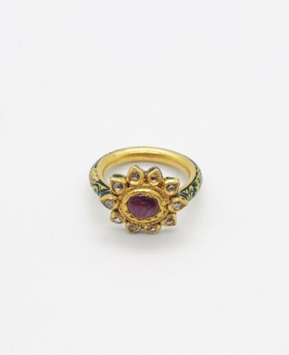 18KT GOLD RING WITH UNCUT DIAMOND POLKI