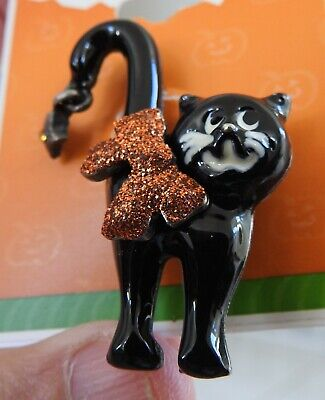 Black Cat On Halloween (cute HALLOWEEN BLACK CAT PIN brooch never worn, still on)