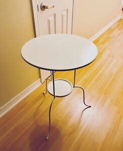 White side table / coffee table