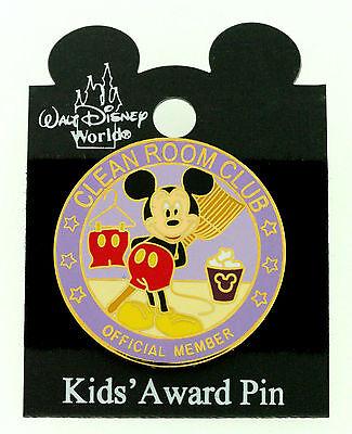 DISNEY MICKEY MOUSE CLEAN ROOM CLUB AWARD TAC PIN   trading pin