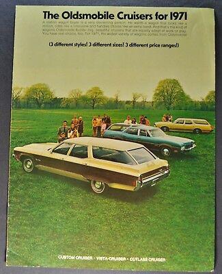 - 1971 Oldsmobile Station Wagon Brochure Custom Vista Cruiser Cutlass Nice Orig 71