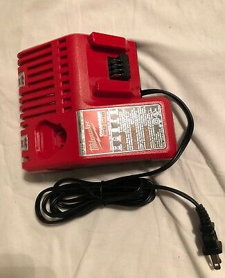 (Milwaukee M12 and M18 Multi-voltage Rapid Battery Charger)