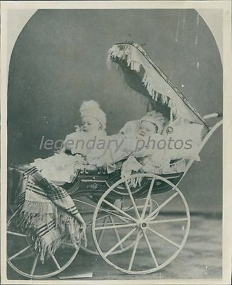 1879 John And Fidelia Lawson In Baby Carriage Utah Original News Service Photo