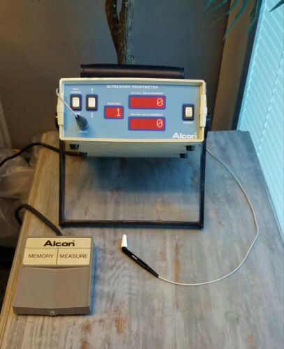 Alcon Ultrasonic Pachymeter With Probe & Foot Pedal