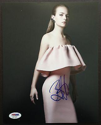 Britt Robertson Signed 8X10 Photo Psa Coa Autograph Ac11947
