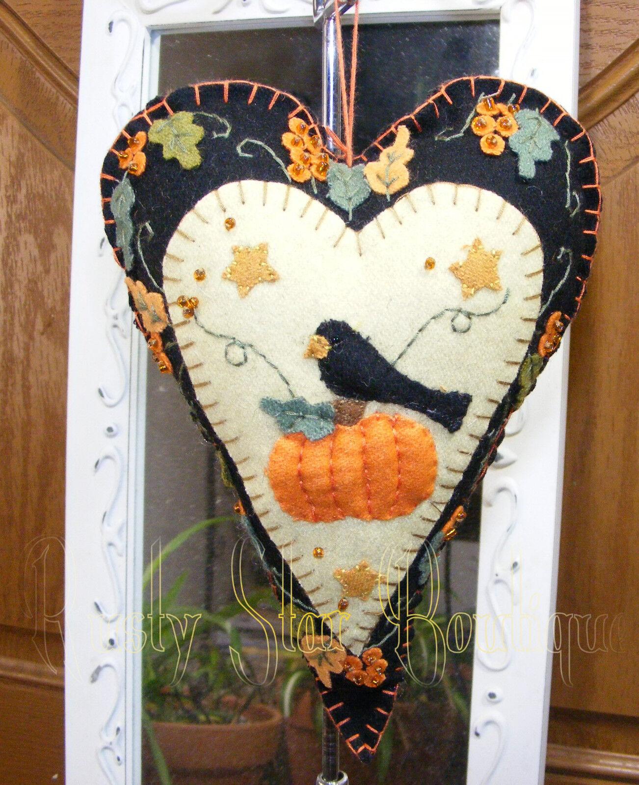 "8"" Heart Felt Ornament Crow Sitting On Pumpkin Country Prim"