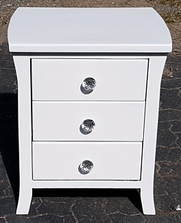 1 x3 DRAWER BEDSIDES IN HIGH GLOSS WHITE (AS NEW REFURBISHED)