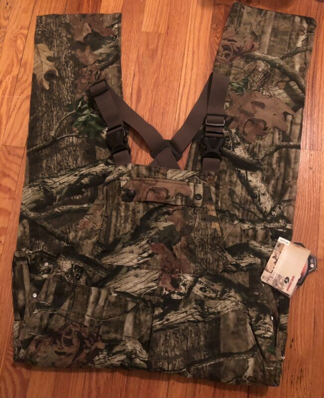 New w/ tags Men's Mossy Oak Hunting Tree Camoflauge Overalls Size M (32-34)