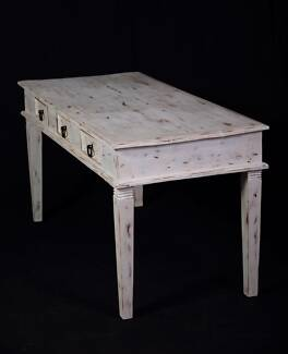 Lovely large shabby chic desk/Table,DELIVERY AVAILABLE.