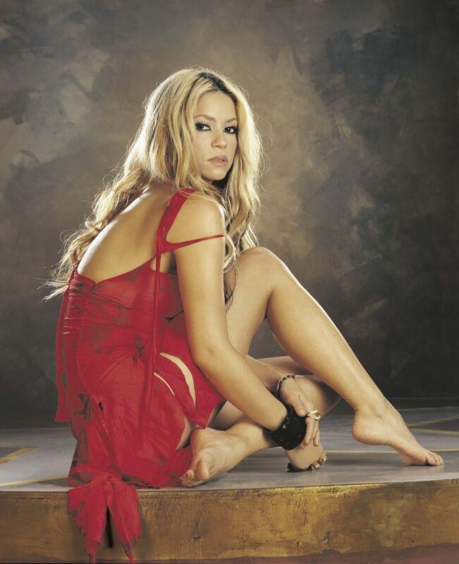 Shakira Unsigned 8x10 Photo (58)