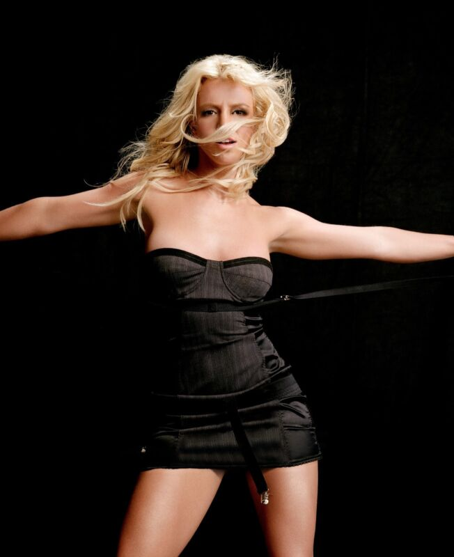 Britney Spears Unsigned 8x10 Photo (76)