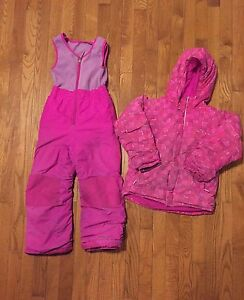 Girls 6-7 Columbia Snowsuit  Stratford Kitchener Area image 1