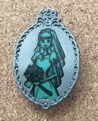 DISNEY PIN CONSTANCE - HAUNTED MANSION GLOW IN THE DARK - MYSTERY SET