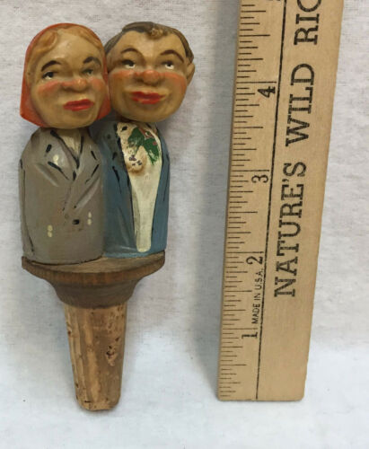 Wine Bottle Stopper Cork Wood Folk Art Movable Kissing Couple Vintage Mechanical