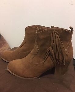 Brown mid height boots