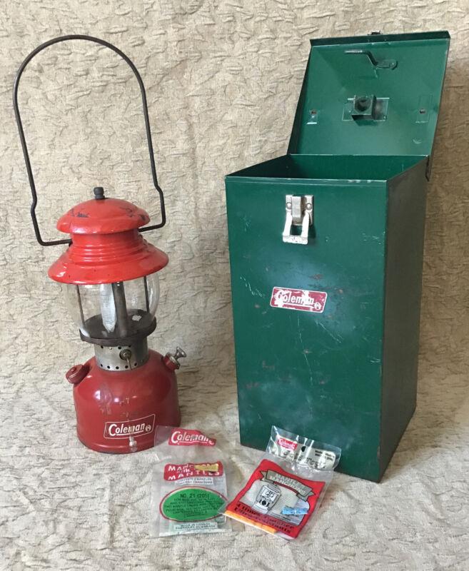 Nice Vintage June 1966 Red Coleman Lantern Model 200 With Lantern Case