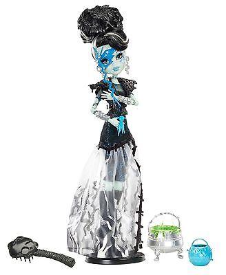 Mattel Monster High Frankie Stein MEGA MONSTERPARTY Ghouls Rule X3714 OVP