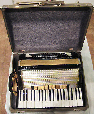 Vintage Hohner Verdi III M 120 bass Accordion - Good Plus Condition with HS Case