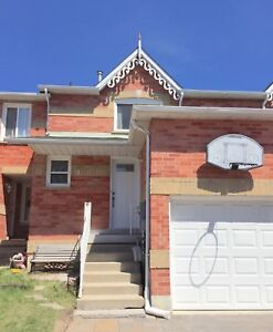 Sun-Filled Home in Family-Friendly Central Richmond Hill
