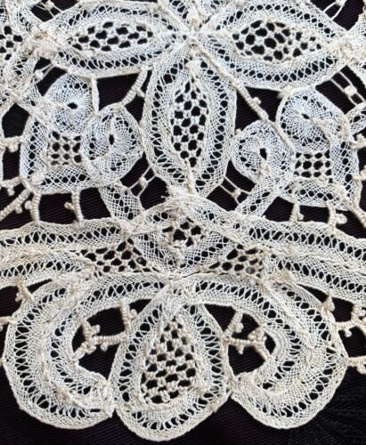 """2 vintage Luxeuil tape lace doilies, hand made in France, 1 NWT, 8.5 and 7.5"""" d"""