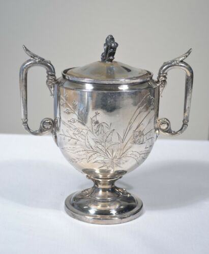 VINTAGE REED & BARTON SILVER PLATED TROPHY STYLE SUGAR BOWL