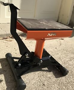 KTM motorcycle stand - like new