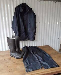 RAIN JACKET, PANTS & BOOTS Aspley Brisbane North East Preview