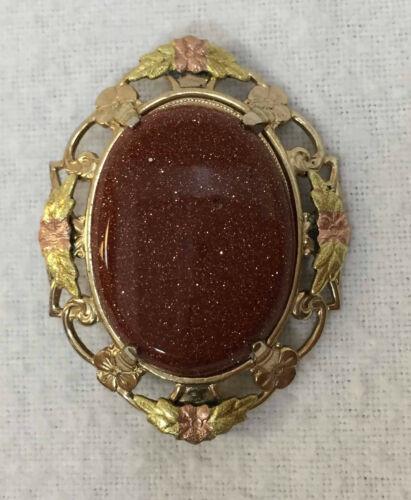 Brooch Pin Black Hills Gold Leaf Goldstone Cabochon Gold Tone Metal Vintage