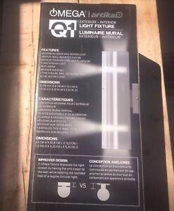 NEUF EN BOÎTE Luminaire stainless intérieur/extérieur. $40