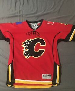 save off 221ee cbdf2 Flames Jersey Youth | Kijiji - Buy, Sell & Save with ...