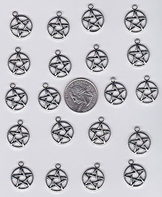LOT OF 100 METAL SILVER TONE PENTAGRAM CHARMS.- GOOD STUFF FROM JUNKMANRALF -C32