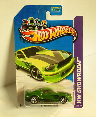 Hot Wheels 2013 Super Treasure Hunt '07 Ford Mustang w/ Real Riders
