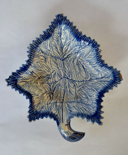 English Pearlware Leaf Shape Pickle Dish - Early 19th C.