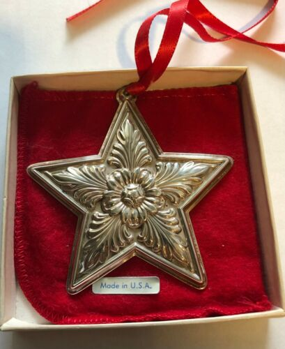 1996 LUNT STERLING STAR CHRISTMAS ORNAMENT WITH BOX AND BAG
