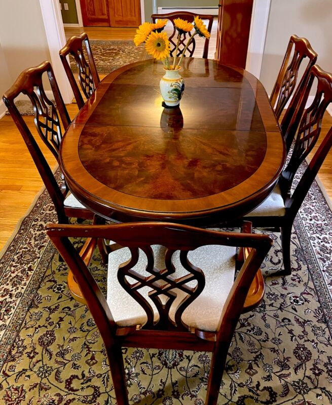 Vintage DREXEL HERITAGE Chippendale DINING TABLE SET (6 chairs, table w/ leaf)