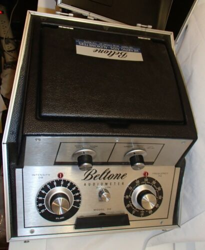 Beltone Audiometer Model 9D Hearing Test Device Frequency/Decibel