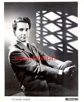 Vintage Richard Conte QUITE HANDSOME 40s EARLY Publicity Portrait
