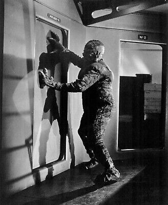 1958's IT! THE TERROR FROM BEYOND SPACE Martian monster at airlock b/w 7x9 scene