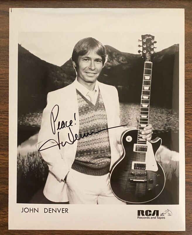 JOHN DENVER s/t 1980 RCA Records AUTOGRAPHED Promo PHOTO Signed VINTAGE