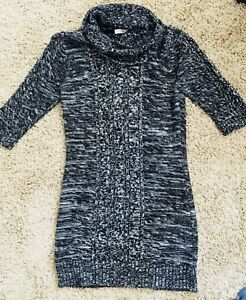 Clothing M-L size, 6 pieces for 10 dol all!