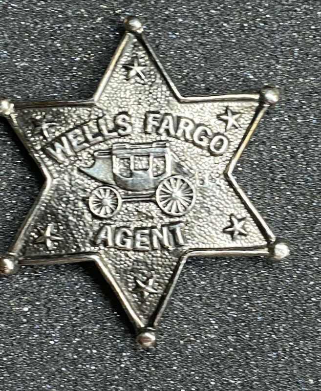 VINTAGE WELLS FARGO AGENT STAGE COACH STAR METAL ADVERTISING PROMO PIN / BADGE
