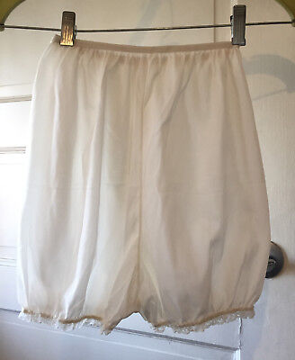 """White Puffy Panties Panty  Bottoms Vintage - stretch to 30"""" waist"""