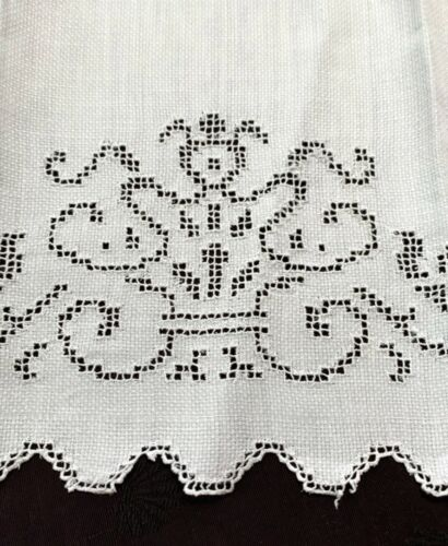 3 antique white linen hand towels w mosaic lace designs, beautiful patterns!