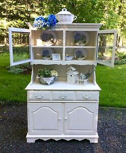 Farmhouse style hutch / huche
