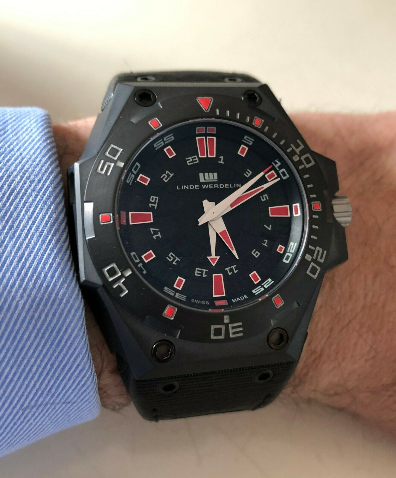 Linde Werdelin Biformeter Hard Black 3 GMT, Mint condition with box and papers. - watch picture 1