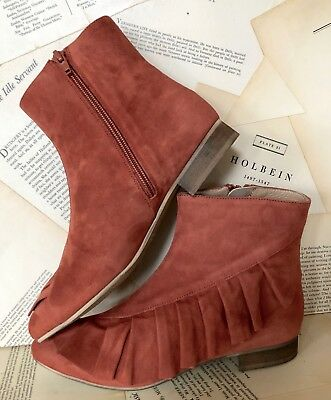 NIB Anthropologie rust Suede Ruffled Side Zipper Ankle Boots 38 / 7.5